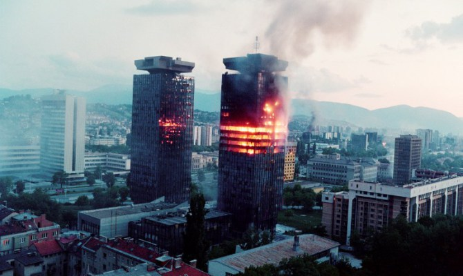 Siege of Sarajevo-photo by Georges Gobet-AFP Photo (Source Avax News)